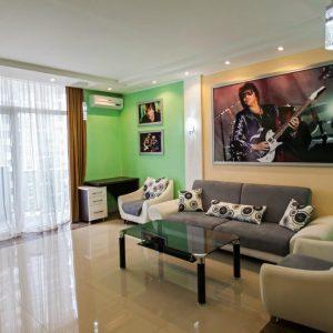 Снять двухкомнатные апартаменты с балконом в Батуми