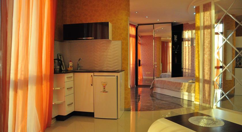 Уютный номер Люкс в стиле Рок, с видом на море в Батуми фото 19 - Rock Hotel