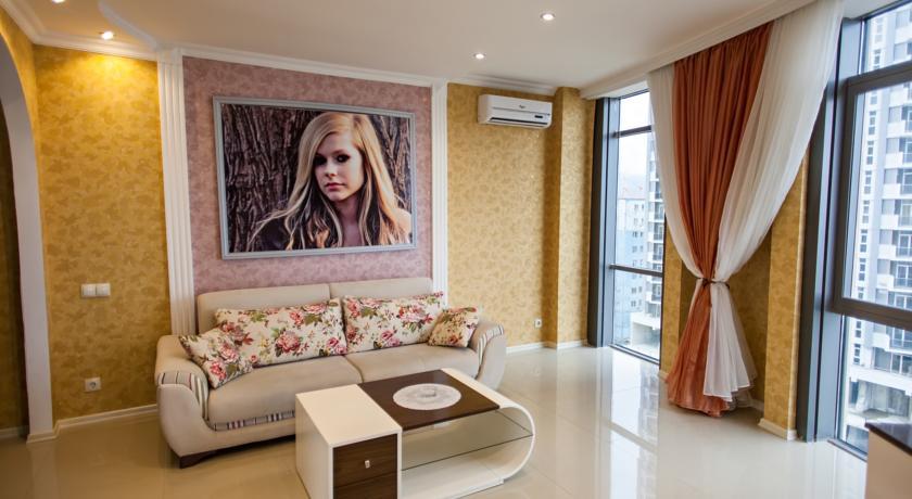 Уютный номер Люкс в стиле Рок, с видом на море в Батуми фото 16 - Rock Hotel