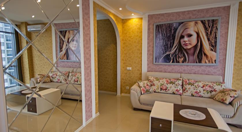 Уютный номер Люкс в стиле Рок, с видом на море в Батуми фото 15 - Rock Hotel