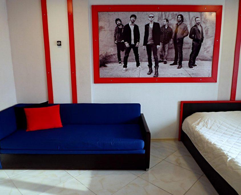 Недорогой и уютный стандартный номер в стиле Рок, с видом на море в Батуми фото 14 - Rock Hotel