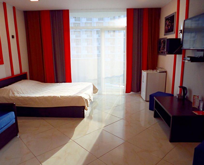 Недорогой и уютный стандартный номер в стиле Рок, с видом на море в Батуми фото 18 - Rock Hotel