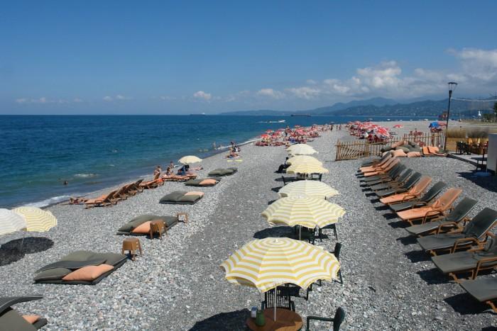 Галечный пляж Батуми