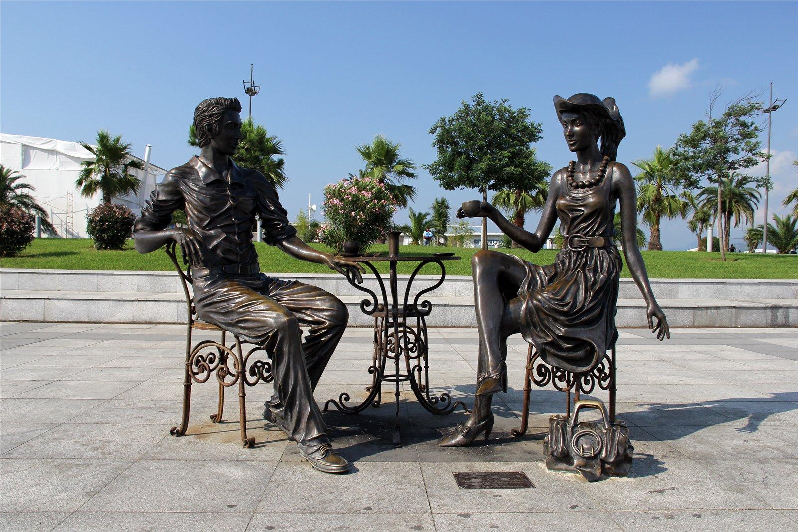 """Скульптура """"Я, ты и Батуми"""""""